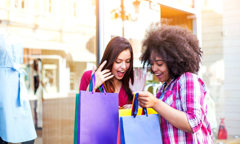 Girls shopping near City Center Apartments in Reno, Nevada