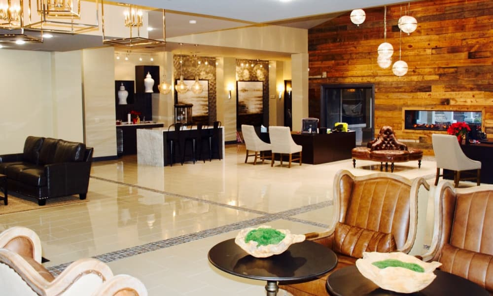 Inviting lobby at Hyde Park at Lake Wyndemere in The Woodlands, TX