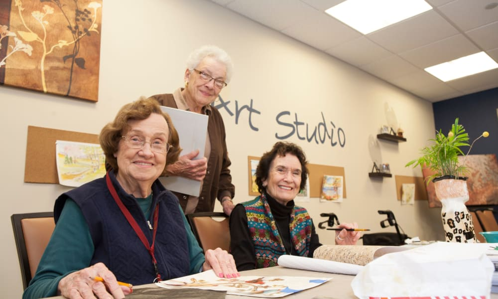 Residents doing artwork at Arbour Square of Harleysville senior living facility