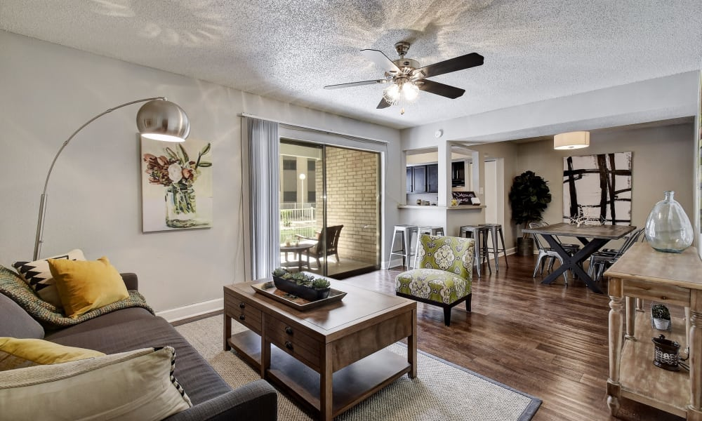 Modern living room at Oasis at Oakwell in San Antonio, Texas