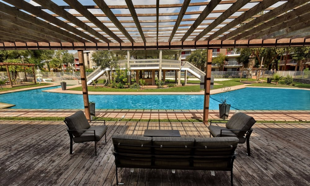 Oasis at Oakwell offers a luxury swimming pool in San Antonio, Texas