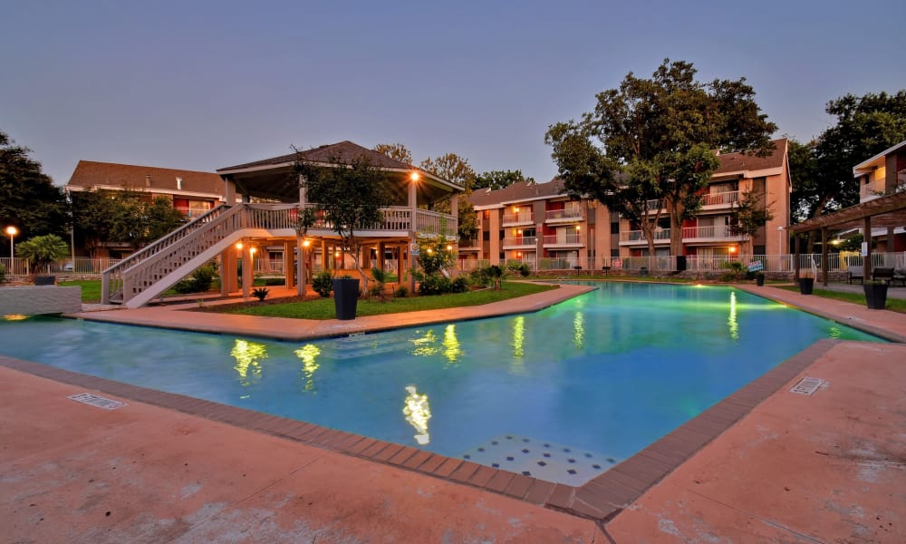 Oasis at Oakwell offers a well-lit swimming pool in San Antonio, Texas