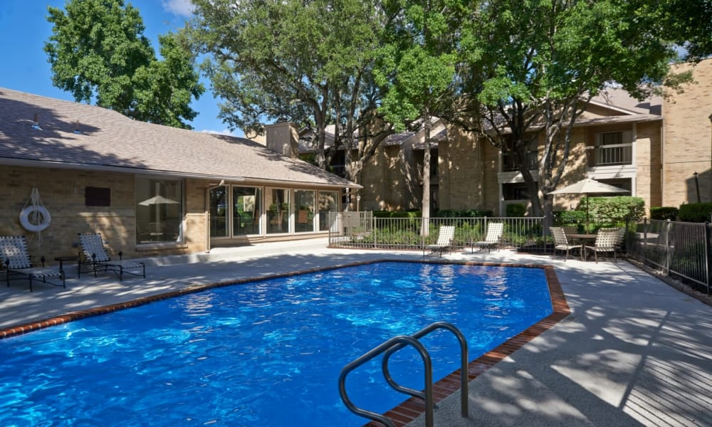 Retreat at Hart Ranch offers a swimming pool in San Antonio, Texas