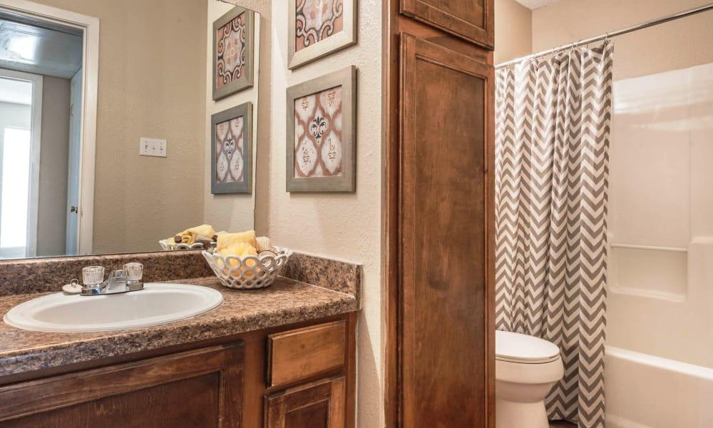 Modern bathroom at Sedona Canyon in San Antonio, Texas