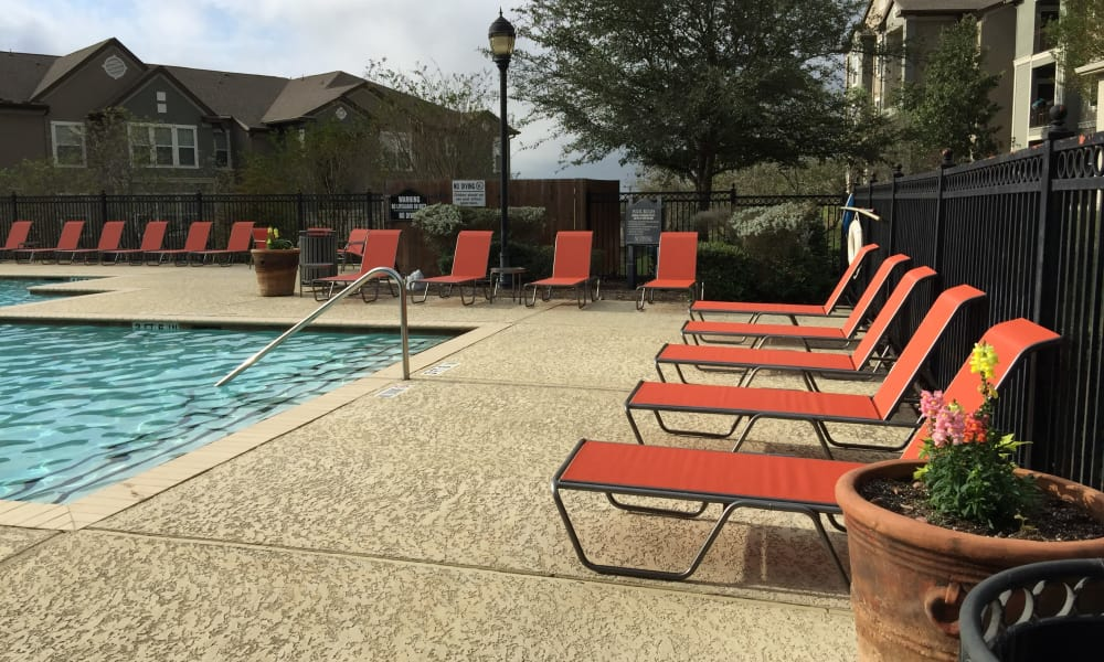 Club at Stone Oak offers a swimming pool in San Antonio, Texas