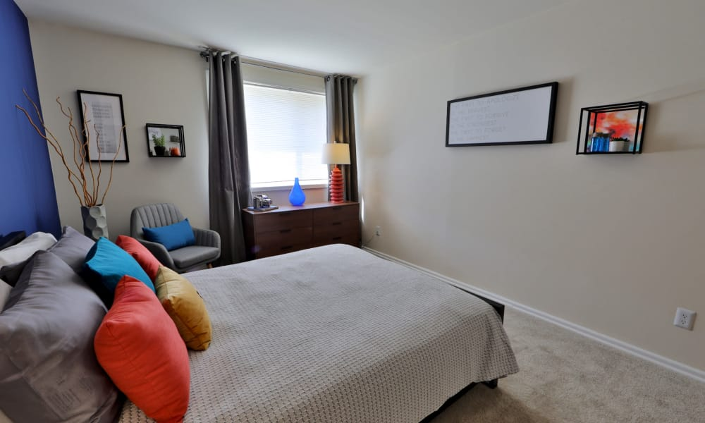Bedroom at Brookdale at Mark Center Apartment Homes in Alexandria, VA