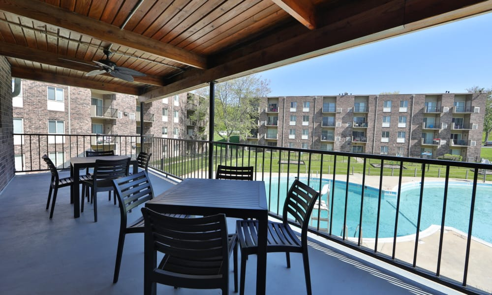 Enjoy Apartments with a Swimming Pool at Lighthouse at Twin Lakes Apartment Homes