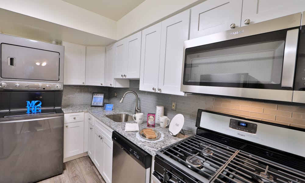 Beautiful Kitchen at Columbia Pointe Apartment Homes in Columbia, Maryland