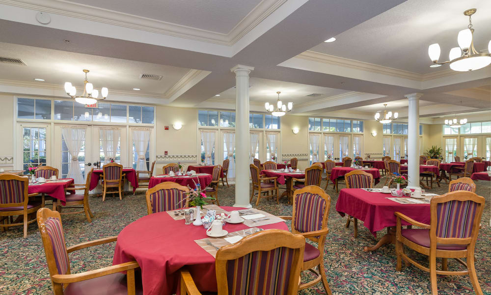 Dining room at Arbor Oaks at Tyrone, St Petersburg, Florida
