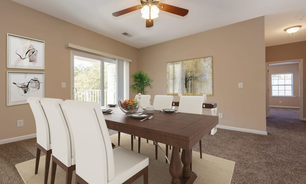 Dining Area at The Waterway Apartment Homes in Lexington, SC