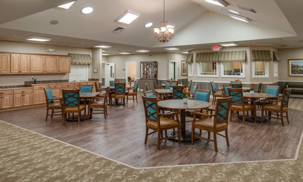 Dining area at the center of Ravenwood Terrace Senior Living in Moberly, Missouri