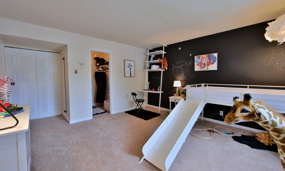 Child's Bedroom at Willow Run at Mark Center Apartment Homes in Alexandria, VA