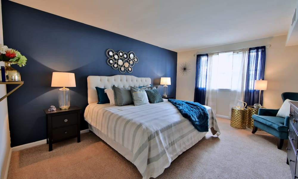 Bedroom at Willow Run at Mark Center Apartment Homes in Alexandria, VA
