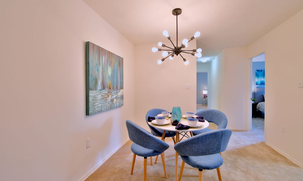 Dining room area at Stoneridge at Mark Center Apartment Homes in Alexandria, Virginia