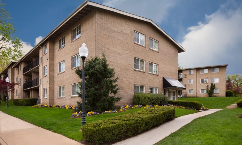 Stoneridge at Mark Center Apartment Homes | Apartments in Alexandria, Virginia