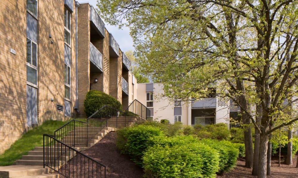 Stoneridge at Mark Center Apartment Homes | Apartments in Alexandria