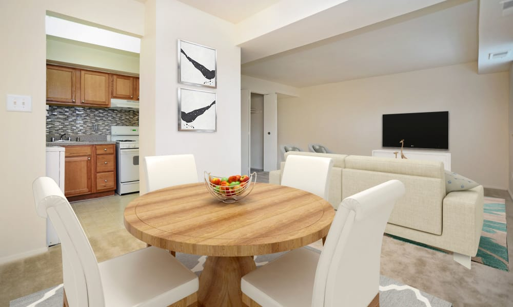 Dining Area at Arbors at Edenbridge Apartments & Townhomes in Parkville, Maryland