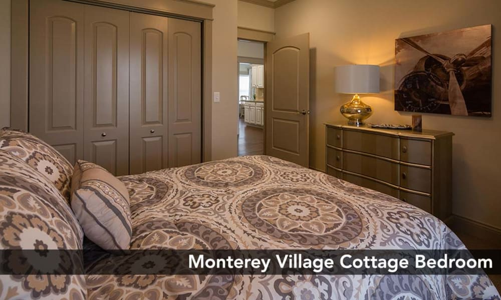 Monterey Village Senior Living offers a sizable master bedrooms with the finest amenities in Lawrence, Kansas