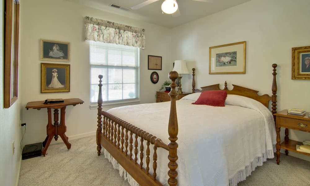 One Bedroom at Teal Lake Senior Living in Mexico, Missouri