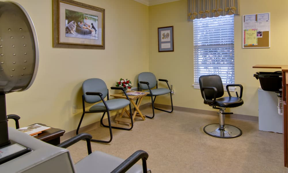 Salon at Ravenwood Terrace Senior Living in Moberly