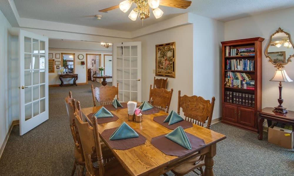 Family dining area at Victorian Place of Owensville in Owensville, Missouri