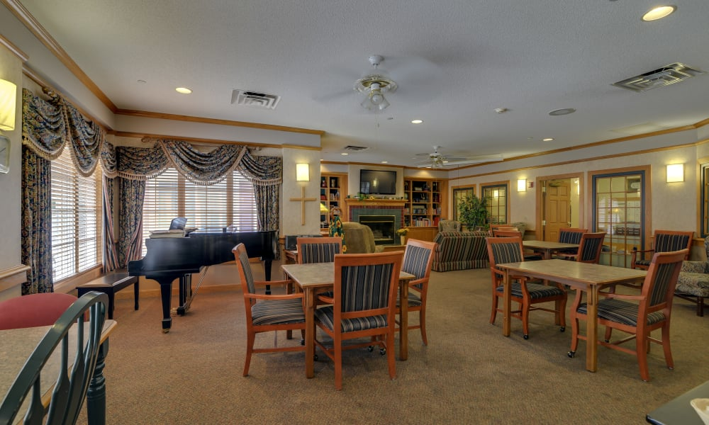 Carpeted dining area at Waldron Place Senior Living in Hutchinson, Kansas