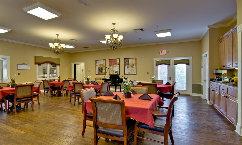 Large, open dining hall at Parkway Gardens Senior Living in Fairview Heights, Illinois