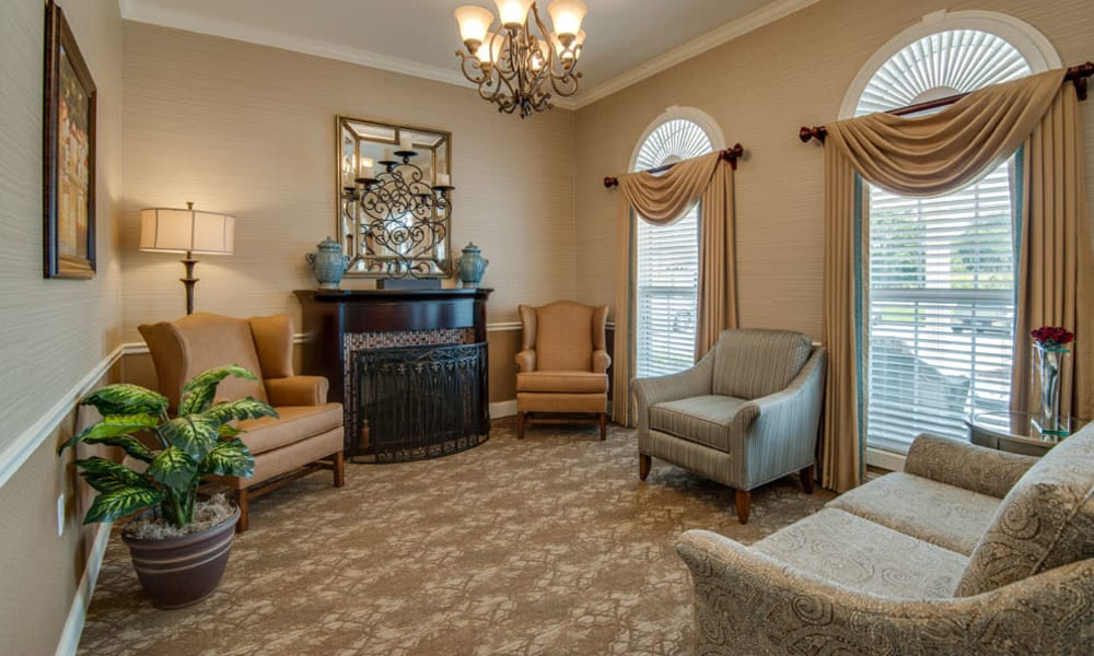 Reading lounge at Adams Pointe Senior Living in Quincy, Illinois