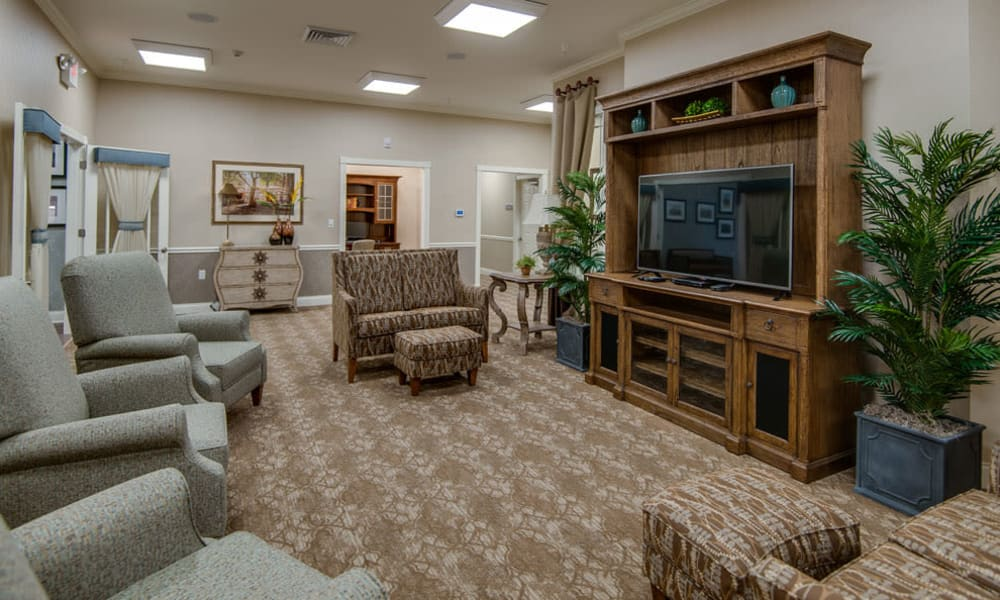 Lounge at Adams Pointe Senior Living in Quincy, Illinois