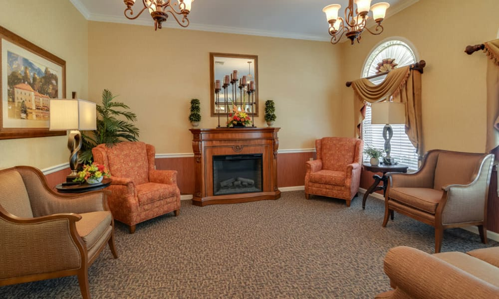 Living room clubhouse at Westbrook Terrace Senior Living in Jefferson City, Missouri