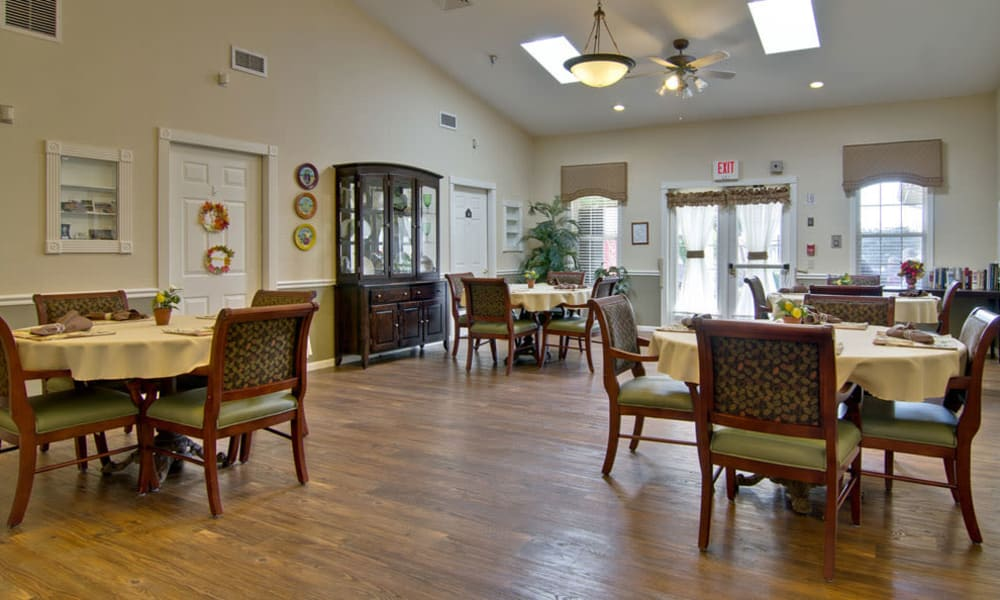 Large dinning room at Bluff Creek Terrace Senior Living in Columbia, Missouri