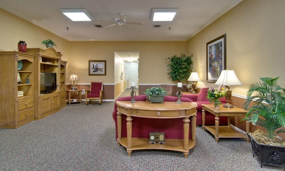 Entertainment room at South Pointe Senior Living in Washington, Missouri
