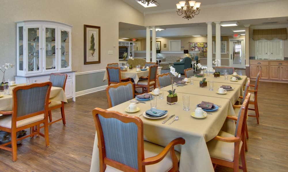 Well decorated dining table at Sugar Creek Senior Living in Troy, Missouri