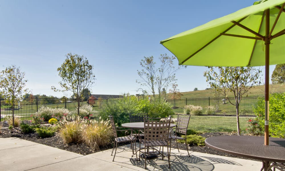 Outdoor sitting area at Sugar Creek Senior Living in Troy, Missouri