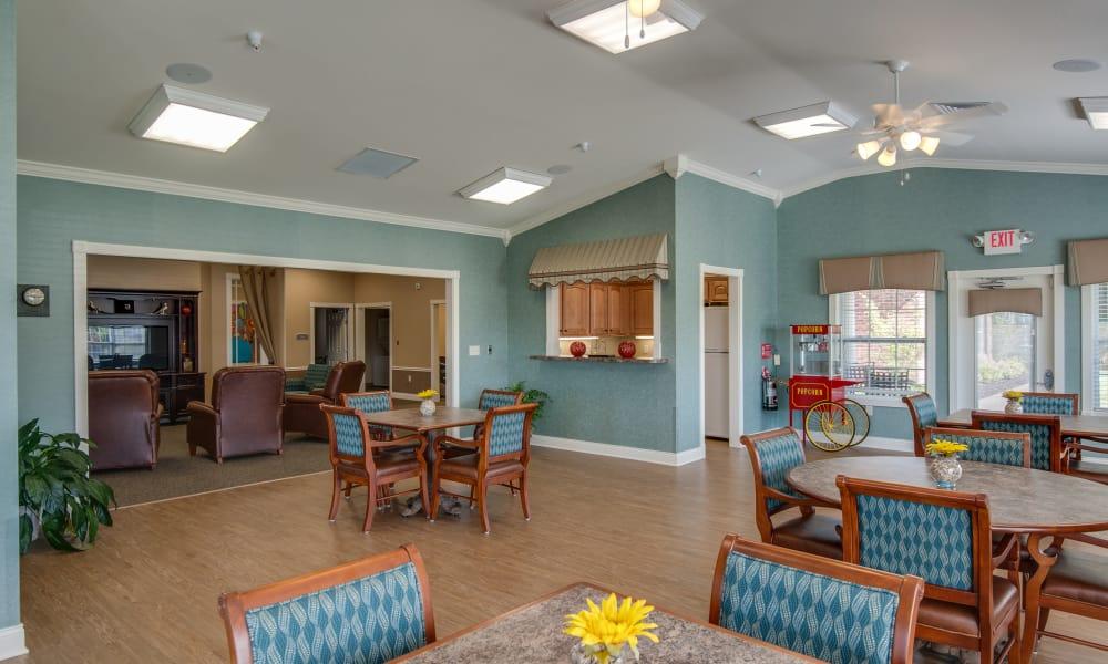 Large dining room at the Maplebrook Senior Living community in Farmington, Missouri