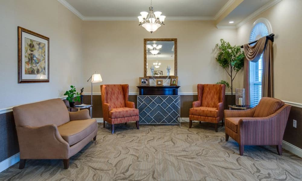 Cozy seating area at Mattis Pointe Senior Living in Saint Louis, Missouri