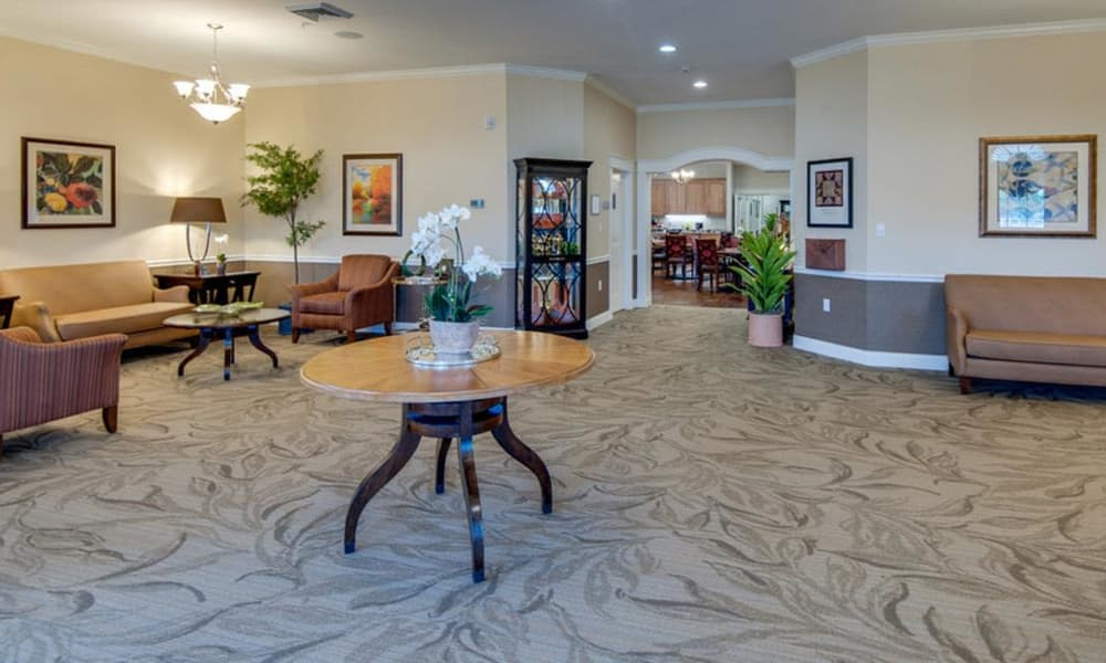 Lobby at Mattis Pointe Senior Living in Saint Louis, MO