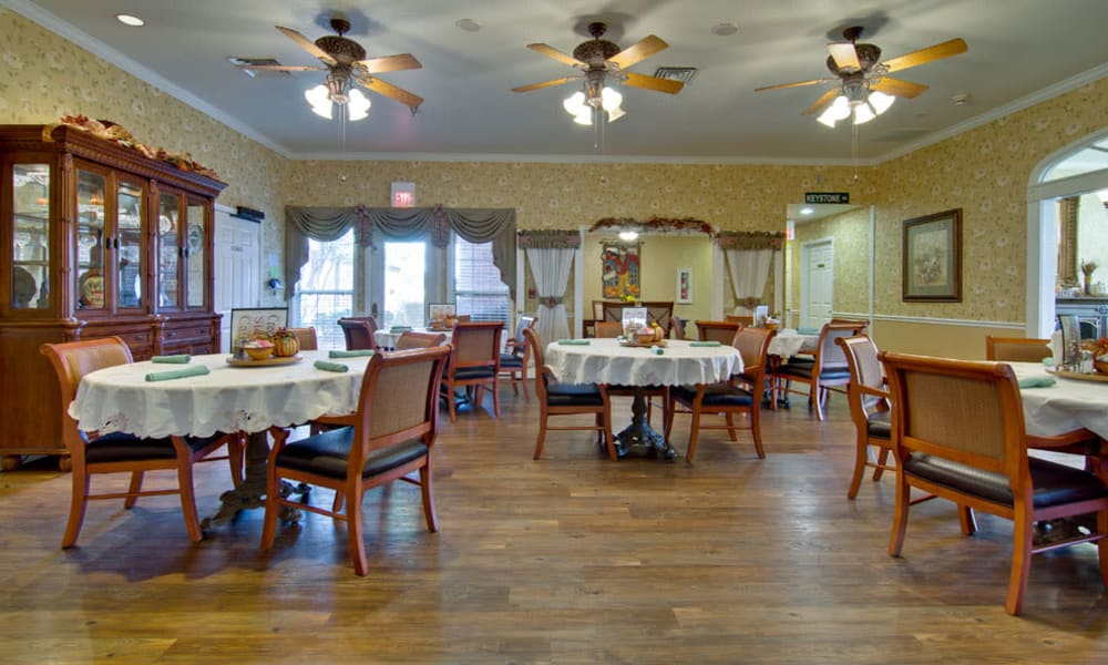 Dining area at the center of Silver Creek Senior Living in Joplin, Missouri