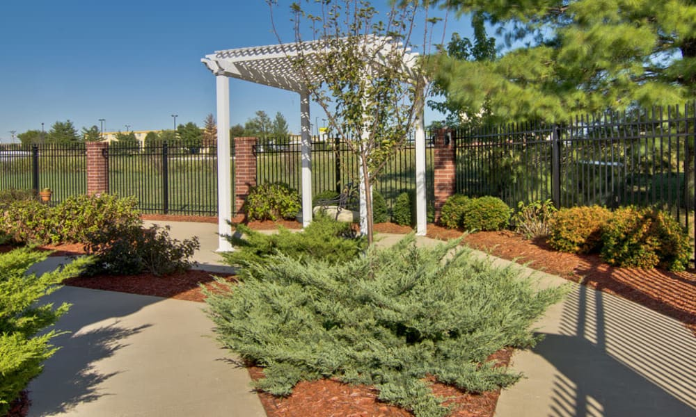 Outdoor landscape at Silver Creek Senior Living in Joplin, Missouri