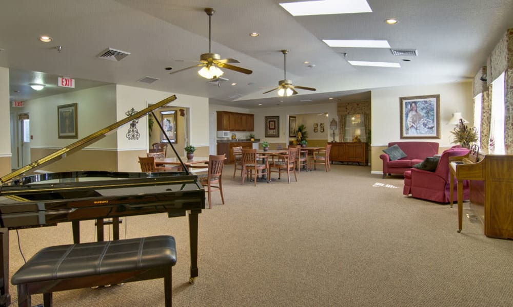 Resident piano in the dining room at Ravenwood Senior Living in Springfield, Missouri