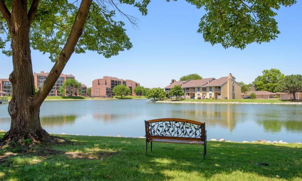 Beautiful lake at Regency Lakeside Apartment Homes in Omaha, NE