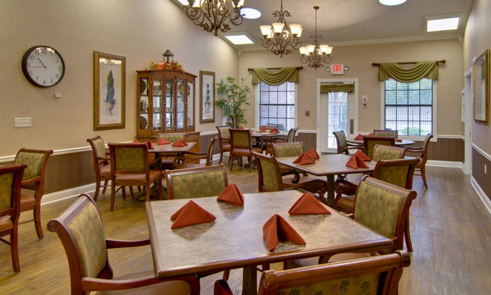 Dining area at the center of Olive Grove Terrace Senior Living in Olive Branch, Mississippi