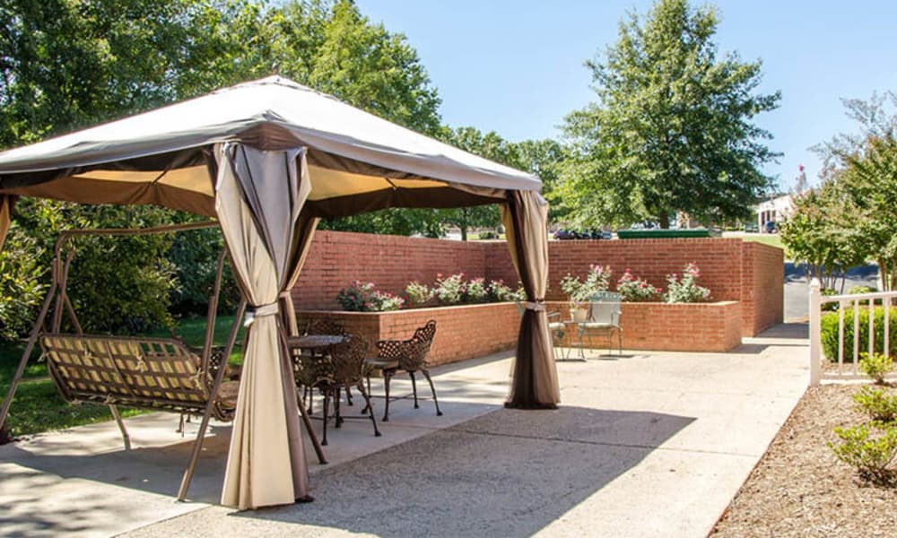 Covered outdoor seating at Azalea Court Senior Living in Smyrna, Tennessee