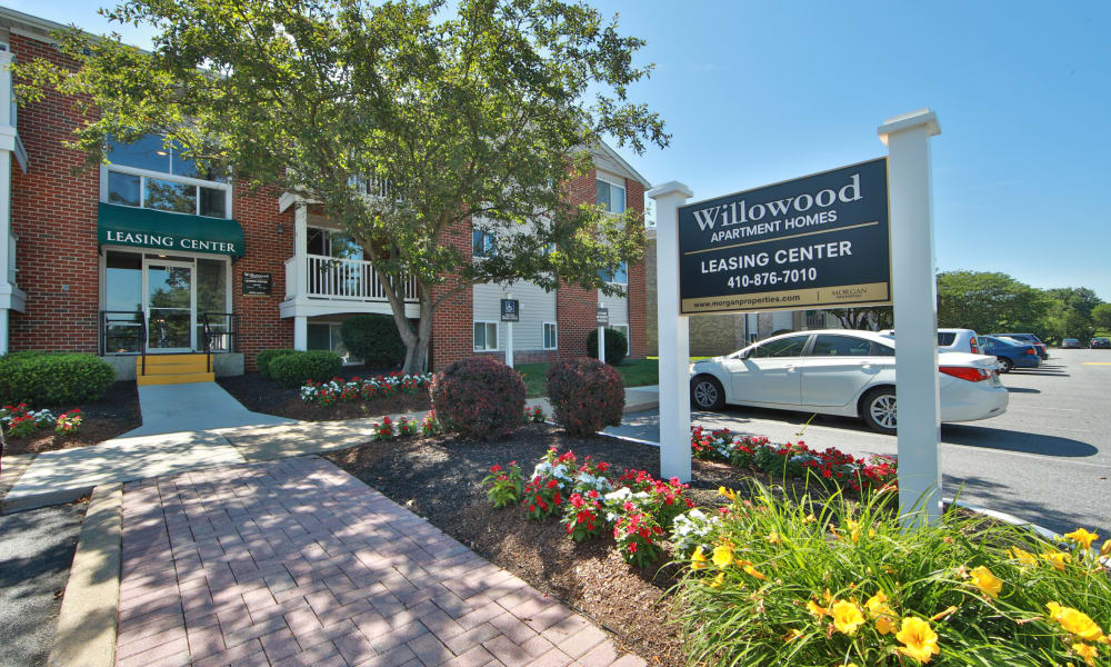 Entrance of the Leasing Office at Willowood Apartment Homes in Westminster, MD