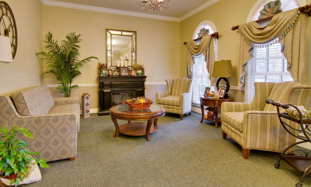 Community area with comfortable seating at Schilling Gardens Senior Living in Collierville, Tennessee