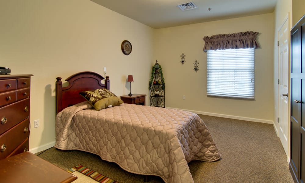 Senior living bedroom at Schilling Gardens Senior Living in Collierville, Tennessee
