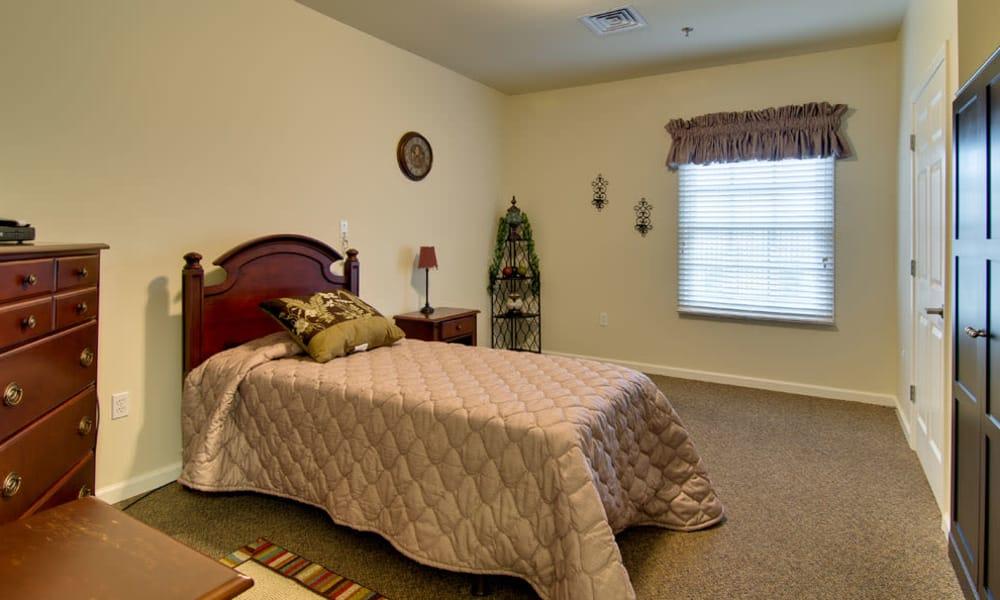 Senior living bedroom at Schilling Gardens Senior Living in Collierville, Tennessee