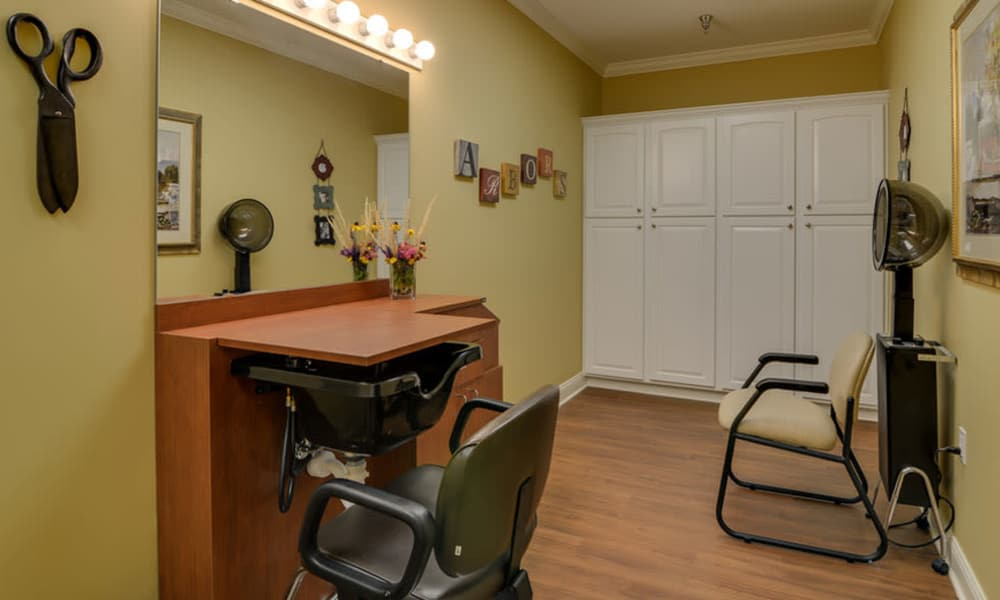 Community salon for residents at Colony Pointe Senior Living in Columbia, Missouri