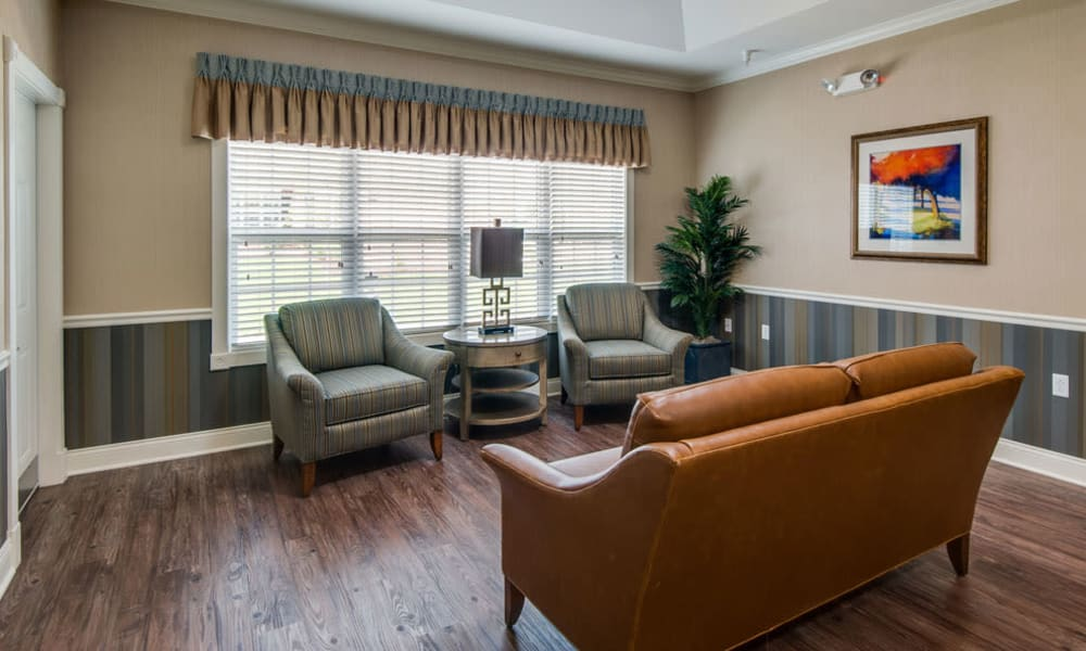 Quiet reading room at Etheridge House Senior Living in Union City, Tennessee