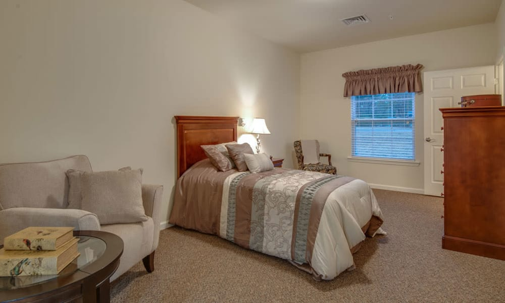 memory Care bedroom South Breeze Senior Living community in Memphis, Tennessee